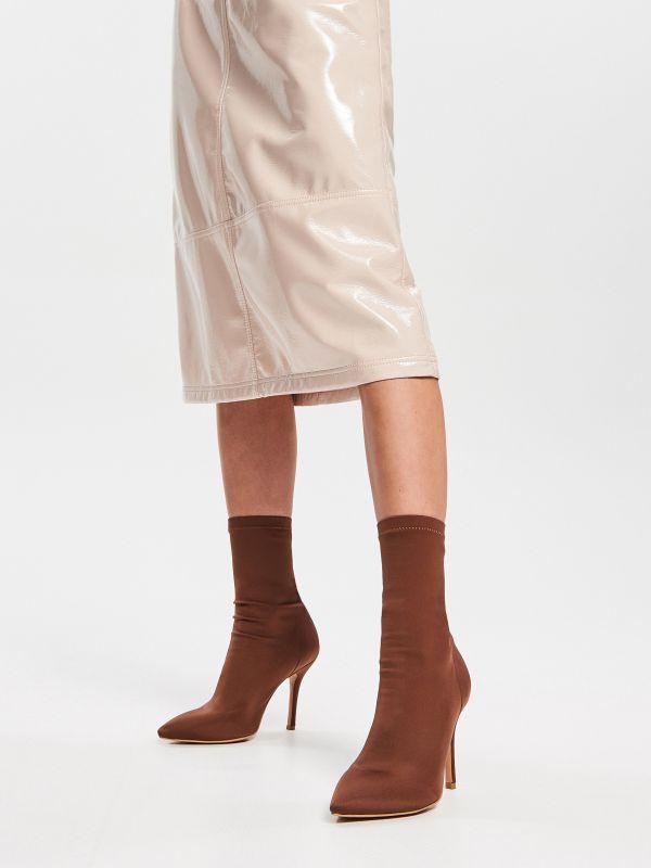 768b61f0486d Členkové čižmy s elastickým zvrškom · Členkové čižmy s ponožkami - hnedá -  VH214-88X - RESERVED