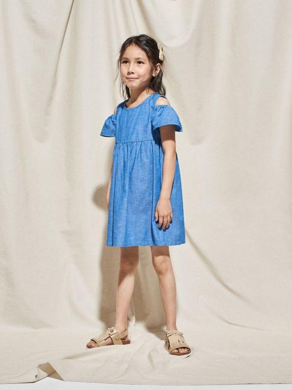 d22c390dcb6203 Sukienka z kokardą · Sukienka z lnem cold shoulders - niebieski - VU290-54X  - RESERVED