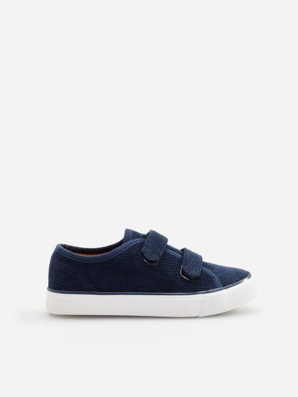 e22afe1951bf4 Młodzieżowe buty dla chłopca - RESERVED
