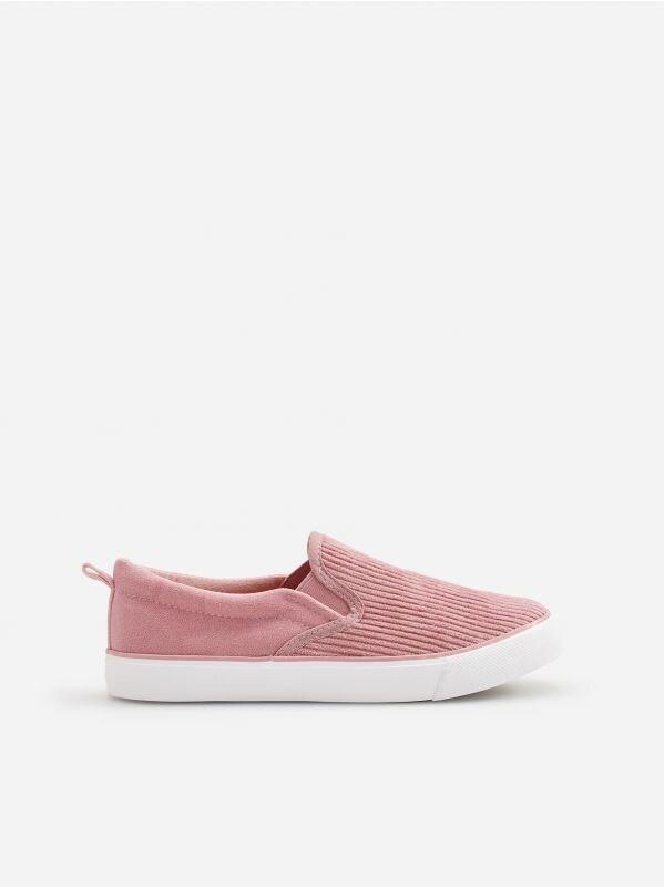2b3e5a2980 Nakupujte online! Dievčenské topánky - RESERVED