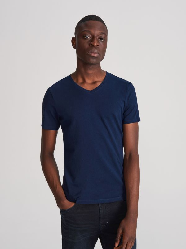 1c9e0361675931 T-shirt basic · T-shirt z dekoltem V - granatowy - WG063-59X - RESERVED